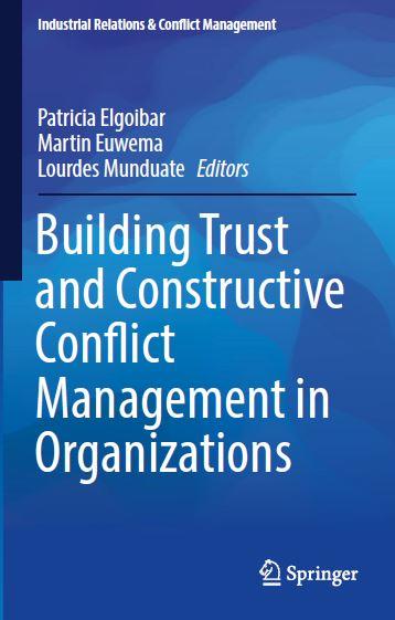 Omslag boek Building Trust